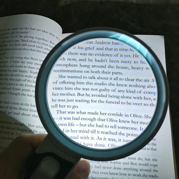 LED Magnifying Glass 10X + 5X Illuminated 2 Lens set. Best Magnifier Set With lights for Seniors, Maps, Macular Degeneration, Jewellery, Watch & Computer Repair, Hobbies & Stamps. Read Easily At Night